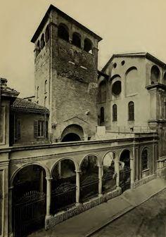 Torre quadrata delle mura imperiali al Monastero Maggiore restaurata da Ansperto Notre Dame, Milan, Building, Travel, Rook, Italia, Hipster Stuff, Construction, Traveling