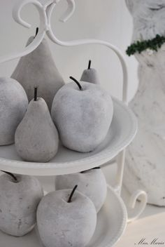 cement fruit...way cool!