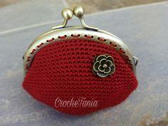 Monedero rojo con rosa (cierre en bronce)