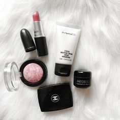 Favorites. #flatlay #makeup #essentials #maccosmetics #maxfactor #artdeco #chanel  @sabinabotica Instagram photo