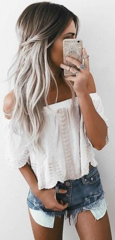 Trending short outfits ideas to copy this summer 32 - Fashionetter