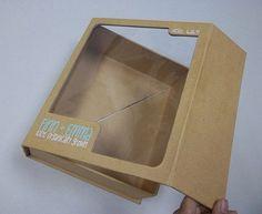 Modelo de caixa retangular, horizontal, com janela