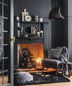 25 Fantastic Living Room Decor Ideas With Black Walls - Home Decor & Design Winter Living Room, Dark Living Rooms, Living Room Decor Cozy, Simple Living Room, Interior Design Living Room, Living Room Designs, Dark Rooms, Grey Interior Design, Simple Interior