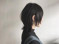 Black Hair Curls, Long Black Hair, Short Hairstyles For Women, Curled Hairstyles, Short Hair Cuts, Short Hair Styles, Ulzzang Hair, Mullet Hairstyle, Shaggy Hair
