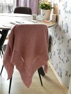 Ravelry: Majasjal pattern by Jorun Holmen Ravelry, Blanket, Knitting, Pattern, Hoods, Scarves, Crafts, Threading, Scarfs