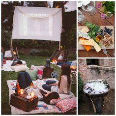 Cine al aire libre en verano, cervezas con hielo y tablas de quesos para comer.