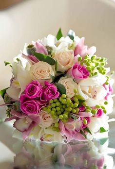 Pink Flowers Inspiration : Hot pink and green bouquet.tn - Leading Flowers Magazine, Daily Beautiful flowers for all occasions Bride Bouquets, Floral Bouquets, Pink Bouquet, Bouquet Wedding, Cake Wedding, Wedding Pins, Wedding Ideas, Bridal Flowers, Beautiful Flowers