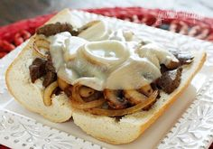 Steak and Cheese Sandwiches with Onions and Mushrooms from skinnytaste! Great idea to get a taste of home with less calories. Beef Recipes, Cooking Recipes, Healthy Recipes, Yummy Recipes, What's Cooking, Cooking Light, Cream Recipes, Potato Recipes, Vegetarian Recipes