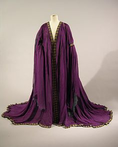 Fripperies and Fobs — Tea gown ca. From the Brighton & Hove. Historical Costume, Historical Clothing, Edwardian Fashion, Vintage Fashion, Vintage Style, Corsage, Vintage Dresses, Vintage Outfits, Tea Gown