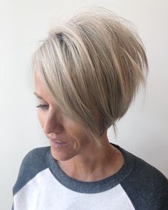 We have brought Pixie Bob Haircuts for Neat Look that are so trendy nowadays. Pixie bobs are perfect for those who want an interesting way Pixie Bob Haircut, Cute Bob Haircuts, Short Pixie Haircuts, Short Hair Cuts, Short Hair Styles, Bob Hairstyles For Fine Hair, Pixie Hairstyles, Short Hairstyles For Women, Trending Hairstyles