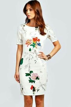 Love the way the flowers look sketched onto fabric
