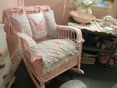 How to Restore Broken Wicker Furniture
