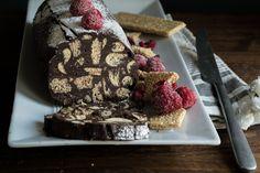 """Ο πιο εύκολος κορμός σοκολάτας χρειάζεται ελάχιστο χρόνο και υλικά, τόσο ελαφρύς και αέρινος που θα """"φας"""" κόλλημα με αυτή την συνταγή!"""