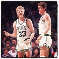 Bill Walton and Larry Bird. Celtics Basketball, Basketball Plays, Larry Bird, Sports Images, Sports Pictures, Bill Walton, He Got Game, Basketball Photography, Muscle