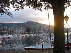 Lago Leman em Lausanne, Suíça. Lugar magnífico. Diversão garantida