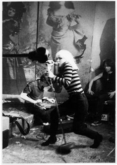 vintage everyday: Awesome Pictures of 1970s NYC's Punk Scene on the Bowery at CBGB