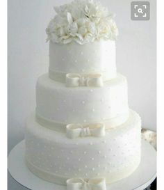 Looking for a wedding cake that will stand out from all the rest? Check out these 30 impressive white wedding cake designs! White Wedding Cakes, Elegant Wedding Cakes, Elegant Cakes, Beautiful Wedding Cakes, Gorgeous Cakes, Wedding Cake Designs, Pretty Cakes, Cake Wedding, Wedding Rings