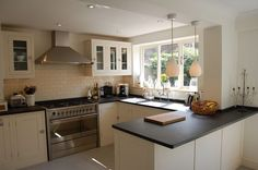 Our kitchen layout Small Kitchen Diner, Small Open Plan Kitchens, Open Plan Kitchen Dining Living, Kitchen Diner Extension, Living Room Kitchen, Kitchen Layout, Country Kitchen, New Kitchen, Kitchen Design
