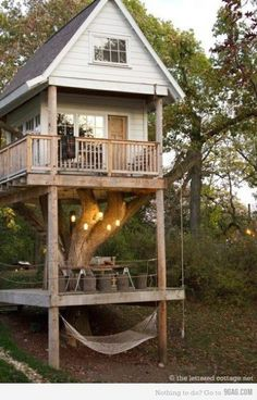 @Claire Towle is this the tree house of your dreams