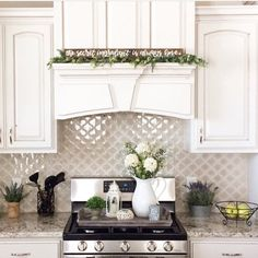 Your backsplash is a significant region of the kitchen. Installing kitchen backsplash is an amazingly simple weekend project. Read What To Consider Wh. Layout Design, Küchen Design, Home Design, Design Ideas, Interior Design, Design Styles, Interior Architecture, Design Inspiration, Design Trends