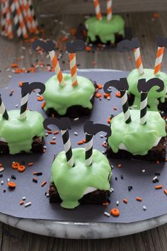 Celebrate Halloween with melted witch brownies! They are so cute, simple to put together and would be a hit at any party!