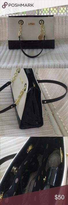 """Brand New Anne Kline Bag Brand new super cute shoulder bag. Length 13"""" Width 5"""".  Height: 9"""" Leather is in pristine condition, no marks or any sign of use. Anne Klein Bags Shoulder Bags"""