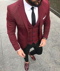 👏Check Out these Incredible Men's Casual Outfit Inspiration In Purple Color🍸 🦩 Check out Ideas of How to Wear Burgundy Shoes Outfit Mens Fashion Suits, Mens Suits, Groomsmen Fashion, Costume Marron, Mode Outfits, Fashion Outfits, Fashion Clothes, Guy Clothes, Men's Fashion
