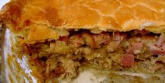 A chicken pie recipe Pie Recipes, Great Recipes, Chicken Recipes, African Style, African Fashion, Steamed Green Beans, Oven Dishes, South African Recipes, Glass Dishes