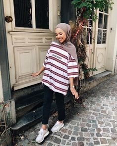 112 hijabs not to be missed this winter – page 1 Hijab Fashion Summer, Modern Hijab Fashion, Street Hijab Fashion, Hijab Fashion Inspiration, Muslim Fashion, Modest Fashion, Fashion Trends, Hijab Casual, Hijab Chic