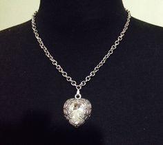 #Collar Corazón Encadenado