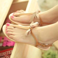 2014 New Europe Woman Sandals Flat Heel Summer Sandal Platform Soft Leather Shoes Peep Toe Gladiator Ladies Buckle  Shose