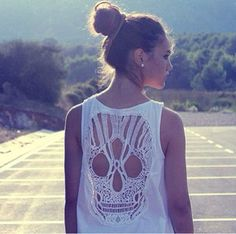 Tumblr outfit • fashion • style • skull shirt