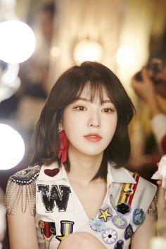 First North American Tour of Red Velvet # Nave. Seulgi, Kpop Girl Groups, Korean Girl Groups, Kpop Girls, Wendy Red Velvet, Red Velvet Irene, Black Velvet, Red Velvet Photoshoot, Loona Kim Lip