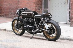 Exceptional Moto bike photos are available on our website. Check it out and you wont be sorry you did. Cb 750 Cafe Racer, Cafe Racer Honda, Honda Cb750, Honda S, Yamaha, Cafe Racer Motorcycle, Moto Bike, Custom Motorcycles, Custom Bikes