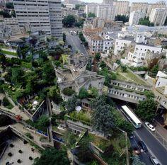 Le centre Jeanne Hachette via Les amis de Jeanne Hachette/ Architect Jean Renaudie