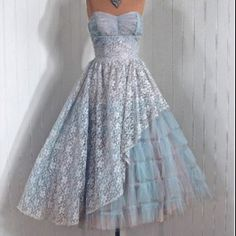 Vintage Baby-Blue Princess Strapless Shelf-Bust Lace and Tulle Asymmetric-Ruffle Couture Rockabilly Wedding Party Dress and Bolero-Jacket Maybe in a different color? Dresses Short, Old Dresses, Pretty Dresses, Vintage Dresses, Vintage Outfits, Vintage Fashion, Unique Dresses, Bride Dresses, Vintage Beauty