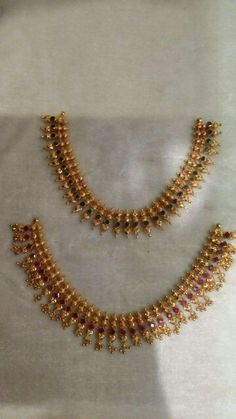 Gold Necklace Simple, Gold Jewelry Simple, Gold Earrings Designs, Gold Jewellery Design, Jewelry Patterns, Beaded Jewelry, Gold Models, Clipboard, Gold Bangles