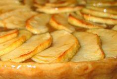 Tarte de maça   Sobremesas de Portugal Sweet Recipes, Cake Recipes, Snack Recipes, Dessert Recipes, Cooking Recipes, Portuguese Desserts, Portuguese Recipes, Sweet Pie, Sweet Tarts