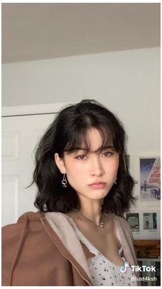 Hairstyles With Bangs, Pretty Hairstyles, Bangs Short Hair, Bangs With Ponytail, Short Hair With Bangs For Round Faces, Short Hair Girls, Short Fringe Bangs, Black Hair Fringe, Pretty Short Hair