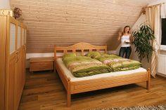 Silkes Bett leicht alpenländisch http://www.die-moebelmacher.de/produkte/wohnen/schlafzimmer/massivholzschlafzimmer12bis1.html