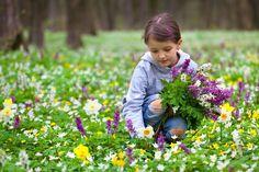 girl with flower - Google'da Ara