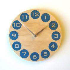 Objectify Clock - Blue Dot