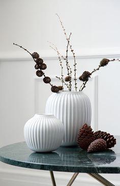 Kähler - Hammershøi Vase - Hvid H cm Ikebana, Rustic Farmhouse Furniture, Ceramic Store, Pottery Courses, Tall Vases, Diy Weihnachten, Modern Ceramics, Danish Design, Home Decor Inspiration