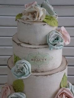 alexia dives posted Green and purple wedding cake. Love the look of this cake! to their -wedding cakes- postboard via the Juxtapost bookmarklet. Wedding Cake Rustic, Rustic Cake, Chic Wedding, Bodas Shabby Chic, Shabby Chic Cakes, Pasteles Shabby Chic, Rustic Cupcakes, Wedding Cupcakes, Gateaux Cake