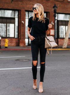 Fashion Jackson All Black Outfit Look Fashion, Fashion Outfits, Womens Fashion, City Fashion, Jeans Fashion, Fashion Black, Fashion Weeks, Sweater Fashion, Dress Fashion
