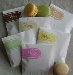 I designed these printable favor bags to celebrate Target's new line of macarons. Macaron Packaging, Bakery Packaging, Packaging Ideas, Gift Packaging, Cookie Packaging, Product Packaging, Macaroon Favors, French Macaroons, Sweets