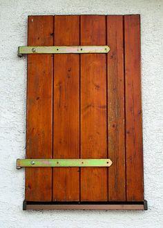 Měsíčník Rozmarýna - online vydání Shutters, Door Handles, Home Decor, Blinds, Door Knobs, Shades, Decoration Home, Room Decor, Window Shutters