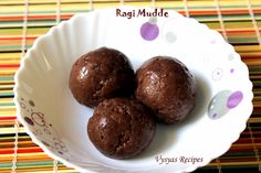 Ragi Mudde - Ragi kali South Indian Breakfast Recipes, Muffin, Pudding, Yummy Food, Cookies, Chocolate, Easy, Desserts, Tailgate Desserts