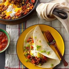 30 Breakfast for Dinner Recipes - Egg bakes, quiche, hash browns, French toast, strata and omelets aren't just for breakfast or brunch—the popular recipes also make easy family suppers! Here are 30 delicious ways to eat breakfast for dinner. Mexican Brunch, Mexican Breakfast Recipes, Brunch Recipes, Mexican Food Recipes, Dinner Recipes, Ethnic Recipes, Mexican Dishes, Dinner Dishes, Dinner Menu