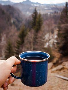 I keep the habit of a cup of warm tea on every mountain peak.  Follow on instagram @andreimiketanase.
